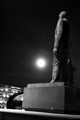 Kaarlo Juho Ståhlberg statue